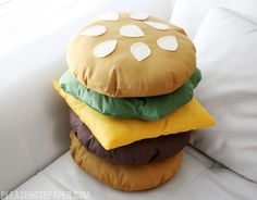 Please Note: DIY: Stackable Burger Pillow