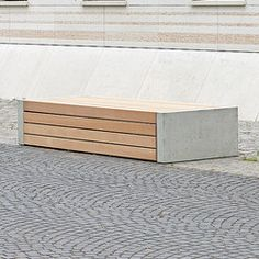 ersio corpus 100 stoolbench with slats MEDIUM and concrete feet in standard ligth grey