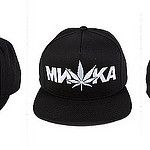 Cyrillic Cannabis Snapback par DST TO INFINITY