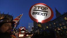 Brexit-Poker: Mays Plan B soll in Rekordzeit den EU-Austritt retten Chancellor Of The Exchequer, Poker, The Bloc, Social Research, British Prime Ministers, Theresa May, Sky News, Den, Politics