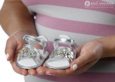 Cute maternity portrait pose ideas - Detroit Maternity Photographer