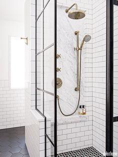 A Manhattan hotel-inspired bathroom with Insta-worthy charm - Badezimmer - Bathroom Decor Bad Inspiration, Bathroom Inspiration, Modern Bathroom, Small Bathroom, Bathroom Showers, Gold Bad, Home Luxury, Gold Shower, White Shower