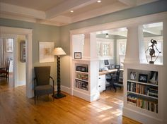 Similar colors - floor walls etc. and half plantation shutters in background :: bungalow interiors decor and design craftsman built-in shelving sunroom home office Craftsman Built In, Craftsman Interior, Craftsman Style Homes, Craftsman Bungalows, Craftsman Style Interiors, Modern Craftsman, Craftsman Remodel, Craftsman Decor, Craftsman Columns