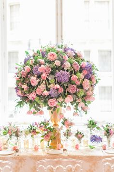 Image by Roberta Facchini Photography Wedding Flower Arrangements, Floral Centerpieces, Floral Arrangements, Flower Crown Wedding, Floral Wedding, Wedding Flowers, Kew Gardens Wedding, Wedding Ceremony, Reception