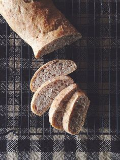 Super simple French bread // Video // neverhomemaker