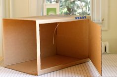 flax & twine: DIY Photo Light Box - A Finish Fifty Project #photo #photography #photographie
