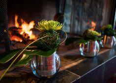Touche florale à la Carte Blanche Centerpieces, Table Decorations, Furniture, Home Decor, Cards, Homemade Home Decor, Centerpiece, Home Furnishings, Table Centerpieces