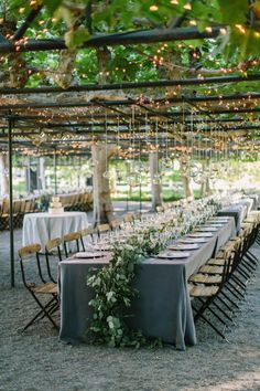wedding reception idea; photo: The Edges Wedding Photography.
