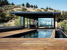 60 Of The Most Spectacular Contemporary Pools Presented on DesignRulz | http://www.designrulz.com/design/2013/05/60-of-the-most-spectacular-contemporary-pools-presented-on-designrulz/