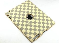 LVs iPad 2 Case Damier - Metali White http://www.eiphoneaccessories.com/ipad-2/ipad-2-case-ipad-2-cases/louis-vuitton-ipad-2-case/lvs-ipad-2-case-damier-metali-white.html