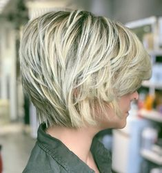 60 Short Shag Hairstyles That You Simply Can't Miss Piecey Blonde Pixie Bob Latest Short Haircuts, Short Shag Hairstyles, Straight Hairstyles, Pixie Haircuts, Layered Haircuts, Medium Hairstyles, Braided Hairstyles, Wedding Hairstyles, Blonde Pixie