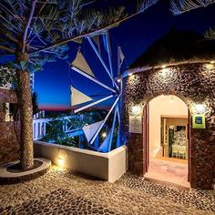 Restaurant 'Pyrgos' in Santorini! Located in the center of Santorini at pyrgos village. Offers traditional cuisine and a view across the island of Santorini.