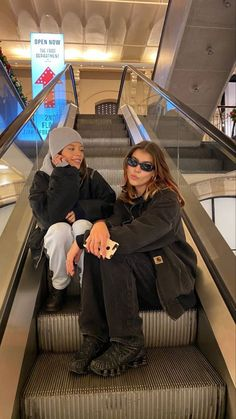 Foto Best Friend, Best Friend Photos, Best Friend Goals, Friend Pics, Cute Friends, Best Friends, Photographie Indie, Cute Friend Pictures, Bff Goals