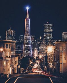 Transamerica Tower is san Fransisco is man made. The light at the top forces the eye to keep looking back to the brightest part of the picture. San Francisco California, California Dreamin', San Francisco Skyline, San Francisco Sites, San Francisco Attractions, City Vibe, San Fransisco, Adventure Is Out There, Amazing