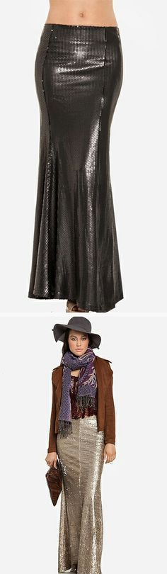 A sequined maxi skirt, just in time for the holidays! Style this sparkly skirt just like any other maxi!
