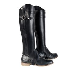 Great fitting leather chaps with leather strap details at top, zipper and elastic at side