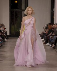 Georges Chakra Look Spring Summer 2019 Couture Collection Beautiful Pink One Shoulder Backless Slit Asymmetric Sheathe Evening Maxi Dress / Evening Gown with Open Back and a Train. Runway Show by Georges Chakra Style Couture, Couture Fashion, Runway Fashion, Fashion Show, Elegant Dresses, Sexy Dresses, Casual Dresses, Fashion Dresses, Summer Dresses