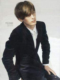 フランスのモデル、Nicolas Chabot。人気男性モデルの参考に