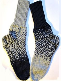 Ravelry: Skandium pattern by General Hogbuffer Lace Socks, Crochet Socks, Knitting Socks, Hand Knitting, Knitted Hats, Knit Crochet, Knit Socks, Knitting Videos, Knitting Patterns Free