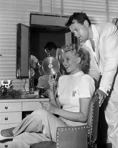 regram @oldhollywoodmylove Orson Welles and Rita Hayworth  #orsonwelles #ritahayworth #oldhollywood #couple #moviestars #iconic #vintage #glamour #oldcinema #goldenera #hollywoodgoldenage #classichollywood #hollywood #stars