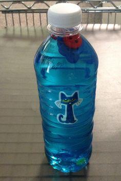 Pete the Cat sensory bottle.