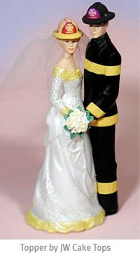 Firefighter Wedding Cake Toppers (Source: favorideas.com)