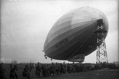 LZ127 Graf Zeppelin Berlin-Staaken am Ankermast