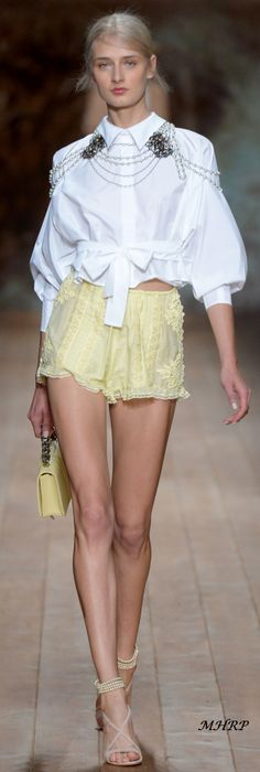 elisabetta-franchi-rtw-spring-2018-milan-fashion-week-mfw-