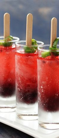 Blackberry Prosecco Popsicles....champagne, blackberries, & lime.