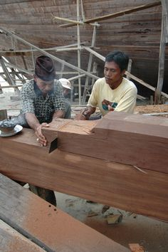 Building of the Tiger Blue liveaboard in Indonesia