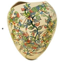 Beautiful Mata Ortiz pot by Adrian Corona. Etched macaws adorn this wonderful olla. Available @ www.sandiafolk.com #mataortiz #mexicanart #pottery #ceramicart #sandiafolk #decorating #casasgrandes #paquime #macaws #parrots #vase por sandiafolk en Instagram http://ift.tt/1KFeGJE #navitips