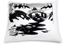 Finlayson Siltamuumi -tyynyliina 55 x 65 cm - Prisma verkkokauppa Bed Pillows, Pillow Cases, Sweet Home, Batman, Superhero, Black And White, Artwork, Design, Home Decor