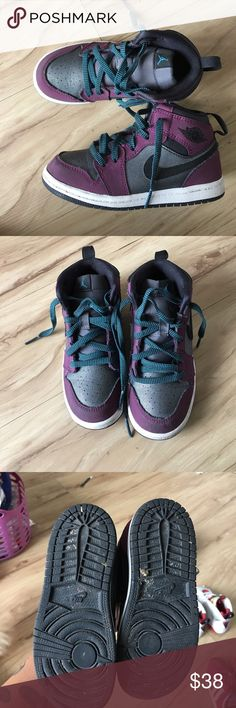 "Air Jordan 1 Retro High GG ""Mulberry"" Barely used, the bottoms will be cleaned. Tags: kids Jordan s kids sneakers sneaker head Nike COLOR: Mulberry/Blue Lagoon-Dark Grey-Black unisex Jordan's Air Jordan Shoes Sneakers"