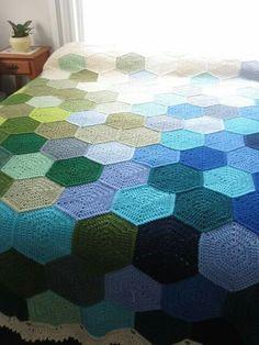Ravelry: Project Gallery for Geometric Lace pattern by Rachele Carmona Crochet Hexagon Blanket, Crochet Granny, Crochet Blanket Patterns, Crochet Yarn, Crochet Blankets, Crotchet, Hexagon Quilt, Tunisian Crochet, Crochet Afghans