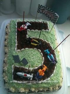 Homemade Racetrack Cake: This Racetrack Cake was made for my son's 5th birthday party. He wanted a racing theme, so I checked on this website for some ideas!   As there were a