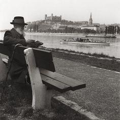 Stará Bratislava Bratislava, Outdoor Furniture, Outdoor Decor, Bench, Park, Times, Photography, Geo, Fotografia