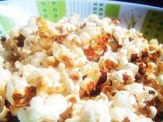 PIPOCA DE CINEMA :: Receita de Pipoca caramelada - Tudo Gostoso assim que  começar a estourar tampar e sacudir a panela  em >fogo baixo