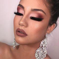 """VEV_ LONDON on Instagram: """"Makeup goal ???😍😍 . . LIKE & COMMENT 😃 ❤ @vev_makeup @vev_makeup_info . . . . . . Follow us for more 💙💛❤ 💜💚 ."""