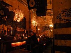 Mumus ruin bar