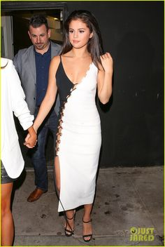 selena gomez revival fan event teaser nice guy dinner 08 Selena Gomez shows off her slender frame in a chic black and white dress while leaving the Nice Guy restaurant with some friends on Friday (August 28) in Los Angeles.…