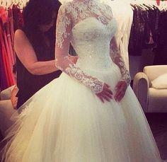 Gorgeous lace sleeve wedding dress