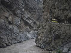 Triphobo presents a list of 12 roads in india that will send a chill down your spine. Driving over these will send you nightmares! Dangerous Roads, Pathways, Dares, Chill, Places To Visit, The Incredibles, India, Country, World