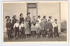 RPPC POSTCARD Early photo of Victor Colorado elementary school March 21st 1910
