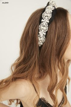 Channel your inner Blair Waldorf and add a chic finishing statement with Aldo Shoes new headband for women.