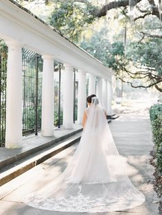 Bride with Veil | Navy and White Wedding | Savannah, GA | Contax 645 | Photography by The Happy Bloom Fine Art Photography | Forsyth Park | www.thehappybloom.com | Southern Weddings