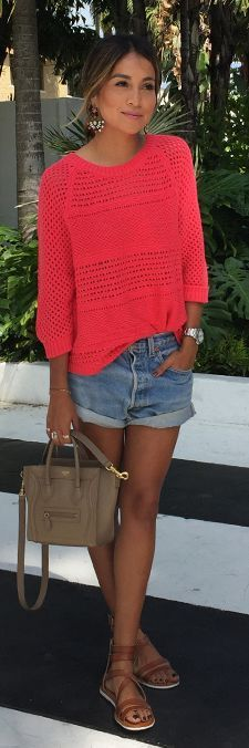 Bright sweater, jeans shorts, gladiator sandals: the perfect casual summer uniform.