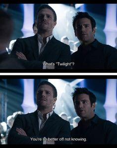 CW Arrow - Twilight... Hahaha, <3 Oliver on Arrow!!!