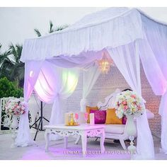 Lovely outdoor decor by @nwandossignatureevents #eventdecor #white #outdoor #decorinspiration