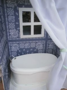 DIY Barbie Furniture (tub out of Ice Cream Container!)