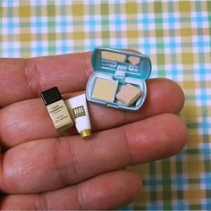 Miniature Cosmetics Dollhouse ♡ ♡ By teenatinythings Doll Crafts, Diy Doll, Cute Crafts, Cute Polymer Clay, Cute Clay, Miniature Crafts, Miniature Dolls, Miniature Food, Accessoires Barbie